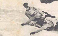 Les Pyrénées - Eaux-Bonnes : Sports d'hiver - Bobsleighs en course - Ballet-Lebrun / Bruay – carte postale - Médiathèque André Labarrère Pau – cote 7-065-01