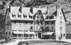 Gavarnie - Le Grand Hôtel du Vignemale – avant 1911 – carte postale – Médiathèque André Labarrère Pau – cote B6-059-R