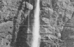 Cirque de Gavarnie - La Grande Cascade de 422 m - Détails de la Muraille du Cirque - Pic et Epaules du Marboré (3263 m) – éd. Labouche Frères – carte postale - B6-069-R